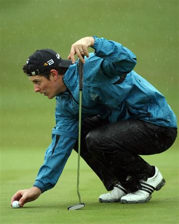 SOTOGRANDE, SPAIN - OCTOBER 31:  Justin Rose of England on the 18th green during the second round of the Volvo Masters at the Valderrama Golf Club on October 31, 2008 in Sotogrande, Spain.  (Photo by Ross Kinnaird/Getty Images)