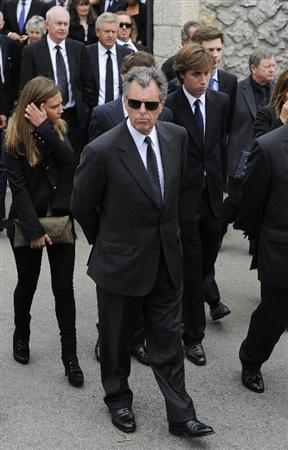 PEDRENA, SPAIN - MAY 11:  Bernard Gallacher of Scotland walks following the urn containing the ashes of Seve Ballesteros to attend the ceremony during the funeral service held for legendary Spanish golfer Seve Ballesteros on May 11, 2011 in Pedrena, Spain. Top-ranked golf players have joined family members and friends to pay their last respects to the late golf great, who died on May 7, 2011 from complications arising from a brain tumor, in his home town parish church.  (Photo by David Ramos/Getty Images)