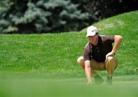 BLOOMFIELD HILLS, MI - AUGUST 09:  Steve Elkington of Australia lines up a putt on the first hole during round three of the 90th PGA Championship at Oakland Hills Country Club on August 9, 2008 in Bloomfield Township, Michigan.  (Photo by Sam Greenwood/Getty Images)