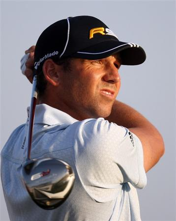 DUBAI, UNITED ARAB EMIRATES - JANUARY 30:  Sergio Garcia of Spain on the 8th tee during the second round of the Dubai Desert Classic played on the Majlis Course on January 30, 2009 in Dubai,United Arab Emirates.  (Photo by Ross Kinnaird/Getty Images)