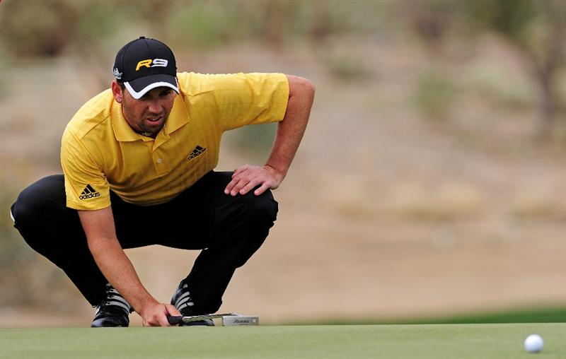 MARANA, AZ - FEBRUARY 20:  Sergio Garcia  of Spain lines up his putt on the 13th hole during round four of the Accenture Match Play Championship at the Ritz-Carlton Golf Club on February 20, 2010 in Marana, Arizona.  (Photo by Stuart Franklin/Getty Images)