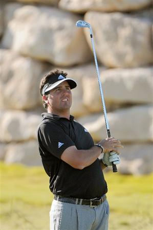 LAS VEGAS- OCTOBER 17: Pat Perez tees off the par three 17th during the second round of the Justin Timberlake Shriners Hospitals for Children Open held at the TPC Summerlin on Friday, October 17, 2008 in Las Vegas, Nevada(Photo by Marc Feldman\Getty Images)