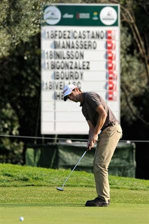 CASTELLON DE LA PLANA, SPAIN - OCTOBER 22:  Gregory Bourdy of France putting on the nineth hole during the second round of the Castello Masters Costa Azahar at the Club de Campo del Mediterraneo on October 22, 2010 in Castellon de la Plana, Spain.  (Photo by Stuart Franklin/Getty Images)