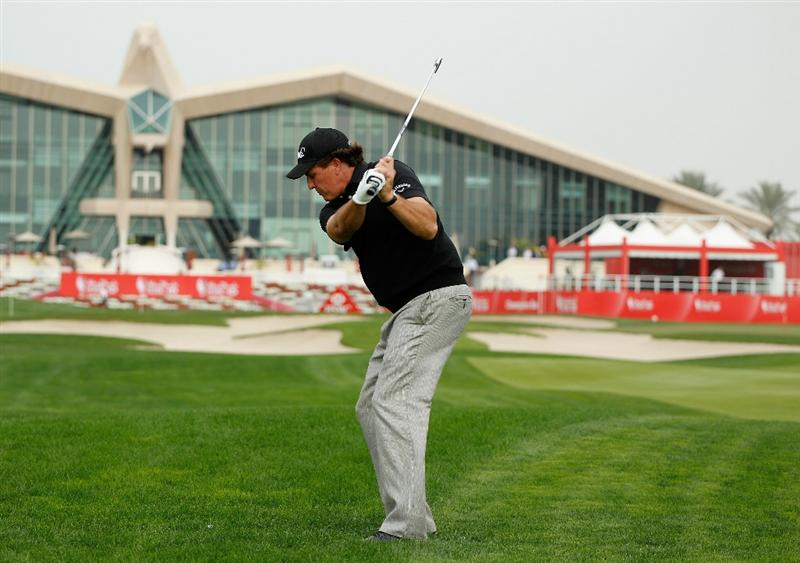 ABU DHABI, UNITED ARAB EMIRATES - JANUARY 18: Phil Mickelson of the USA hits a shot during a practice round prior to the start of the 2011 Abu Dhabi HSBC Golf Championship  at the Abu Dhabi Golf Club on January 18, 2011 in Abu Dhabi, United Arab Emirates.  (Photo by Scott Halleran/Getty Images)