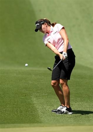 RANCHO MIRAGE, CA - APRIL 03:  Brittany Lang pitches to the green on the second hole during the second round of the Kraft Nabisco Championship at Mission Hills Country Club on April 3, 2009 in Rancho Mirage, California.  (Photo by Stephen Dunn/Getty Images)