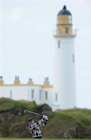TURNBERRY, SCOTLAND - JULY 16:  Tom Watson of USA hits an approach shot during round one of the 138th Open Championship on the Ailsa Course, Turnberry Golf Club on July 16, 2009 in Turnberry, Scotland.  (Photo by Stuart Franklin/Getty Images)