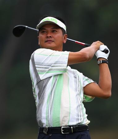 HONG KONG, CHINA - NOVEMBER 22:  Wen Tang Lin of Tiapa plays his tee shot on the 13th hole during the third round of the UBS Hong Kong Open at the Hong Kong Golf Club on November 22, 2008 in Fanling, Hong Kong.  (Photo by Stuart Franklin/Getty Images)