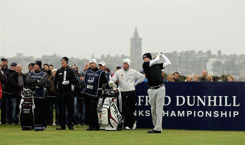 ST ANDREWS, SCOTLAND - OCTOBER 10:  Gary Boyd of England drives off the fourth tee during the final round of The Alfred Dunhill Links Championship at The Old Course on October 10, 2010 in St Andrews, Scotland.  (Photo by Ross Kinnaird/Getty Images)