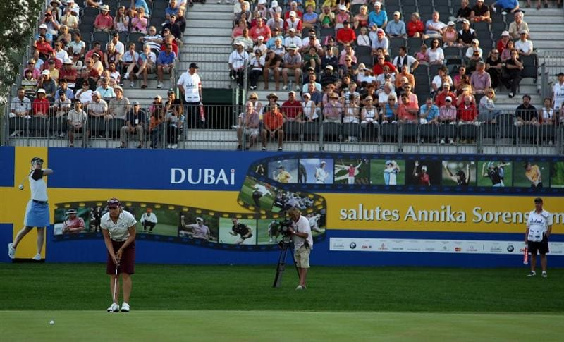 DUBAI, UNITED ARAB EMIRATES - DECEMBER 12:  Annika Sorenstam of Sweden lines up a putt at the 18th in a round of 6 under par 66 during the second round of the Dubai Ladies Masters on the Majilis Course at the Emirates Golf Club on December 12, 2008 in Dubai,United Arab Emirates  (Photo by David Cannon/Getty Images)