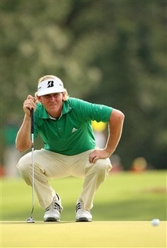 AUGUSTA, GA - APRIL 10:  Brandt Snedeker lines up a putt on the 18th hole during the first round of the 2008 Masters Tournament at Augusta National Golf Club on April 10, 2008 in Augusta, Georgia.  (Photo by Andrew Redington/Getty Images)