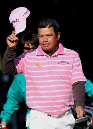 MIYAZAKI, JAPAN - NOVEMBER 22:  Prayad Marksaeng of Thailand reacts to a putt on the 18th green during the third round of the Dunlop Phoenix Tournament 2008 at Phoenix Country Club on November 22, 2008 in Miyazaki, Japan.  (Photo by Koichi Kamoshida/Getty Images)