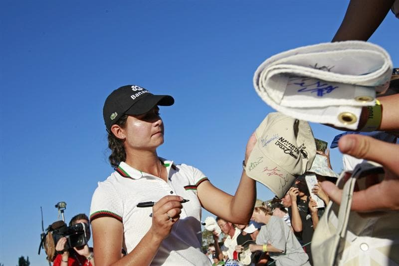 PRATTVILLE, AL - OCTOBER 3:  Lorena Ochoa of Mexico signs autographs for fans following her third round play in the Navistar LPGA Classic at the Robert Trent Jones Golf Trail at Capitol Hill on October 3, 2009 in  Prattville, Alabama.  (Photo by Dave Martin/Getty Images)