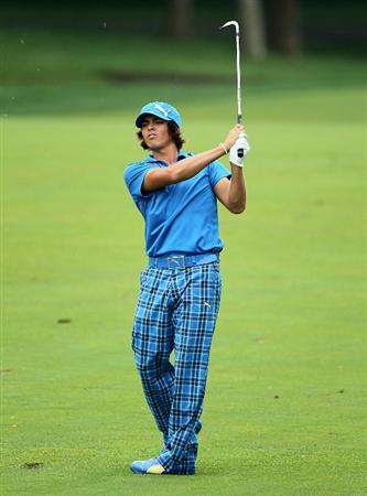 DUBLIN, OH - JUNE 05:  Rickie Fowler hits his second shot on the second hole during the third round of The Memorial Tournament presented by Morgan Stanley at Muirfield Village Golf Club on June 5, 2010 in Dublin, Ohio.  (Photo by Andy Lyons/Getty Images)
