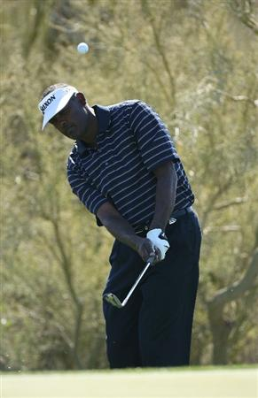 MARANA, AZ - FEBRUARY 16:  Vijay Singh of Fiji plays a shot during the second  practice round prior to the start of the Accenture Match Play Championship at the Ritz-Carlton Golf Club on February 16, 2010 in Marana, Arizona.  (Photo by Hunter Martin/Getty Images)