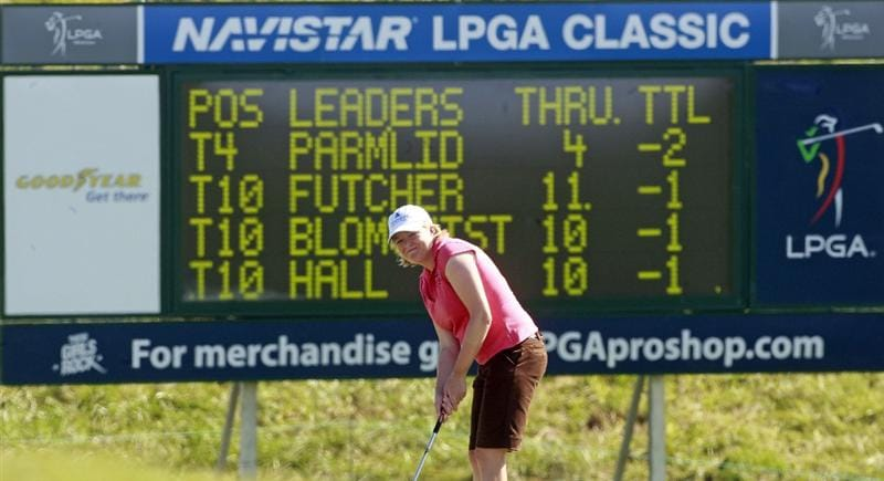 PRATTVILLE, AL - OCTOBER 1:  Mhairi McKay of Scotland putts ont he ninth green during first round play in the Navistar LPGA Classic at the Robert Trent Jones Golf Trail at Capitol Hill on October 1, 2009 in  Prattville, Alabama.  (Photo by Dave Martin/Getty Images)