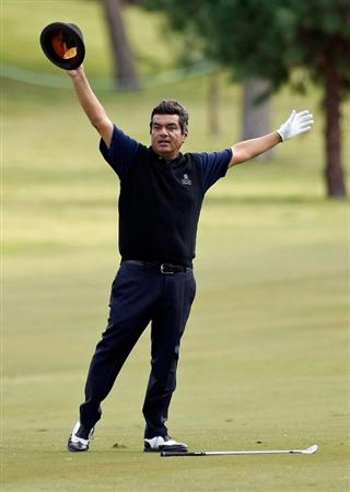 LAS VEGAS - OCTOBER 14:  Actor/comedian George Lopez reacts to the crowd after hitting on the 9th fairway during the Justin Timberlake Shriners Hospitals for Children Open Championship Pro-Am at the TPC Summerlin October 14, 2009 in Las Vegas, Nevada.  (Photo by Ethan Miller/Getty Images)