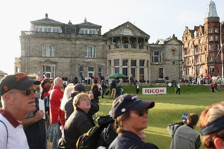 ST ANDREWS, UNITED KINGDOM - AUGUST 02:  Nikki Garrett of Australia hits the opening tee shot to commence play during the First Round of the 2007 Ricoh Women's British Open held on the Old Course at St Andrews on August 2, 2007 in St Andrews, Scotland. (Photo by David Cannon/Getty Images)
