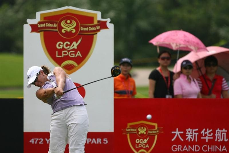 HAIKOU, CHINA - OCTOBER 26: (CHINA OUT) Karen Stupples of England hits her first shot on the 3rd hole during day three of the Grand China Air LPGA 2008 on October 26, 2008 in Haikou of Hainan Province, China. (Photo by China Photos/Getty Images)