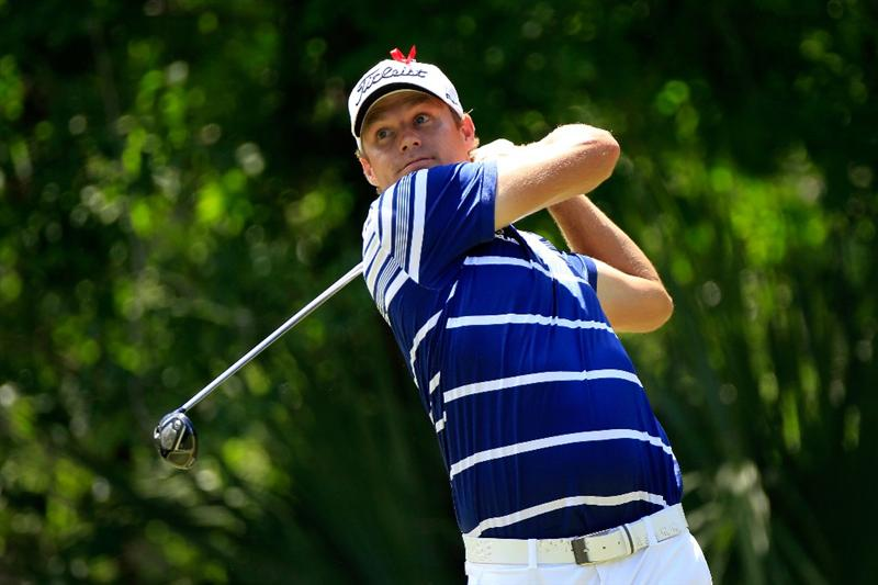 PONTE VEDRA BEACH, FL - MAY 15:  Nick Watney hits his tee shot on the fifth hole during the final round of THE PLAYERS Championship held at THE PLAYERS Stadium course at TPC Sawgrass on May 15, 2011 in Ponte Vedra Beach, Florida.  (Photo by Sam Greenwood/Getty Images)