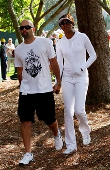 AUGUSTA, GA - APRIL 10:  Golfer Hank Kuehne and girlfriend Venus Williams watch the first round of the 2008 Masters Tournament at Augusta National Golf Club on April 10, 2008 in Augusta, Georgia.  (Photo by Andrew Redington/Getty Images)
