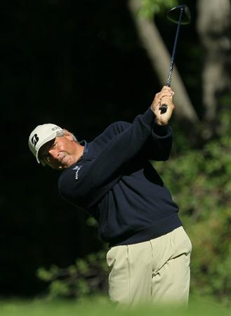 PACIFIC PALISADES, CA - FEBRUARY 20:  Fred Couples hits his tee shot on the 12th hole during the final round of the Northern Trust Open at Riviera Country Club on February 20, 2011 in Pacific Palisades, California. Couples double bogeyed the hole.  (Photo by Stephen Dunn/Getty Images)