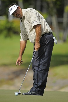 NAPLES, FL - FEBRUARY 17: Brad Bryant putts on the seventh hole during the final round of the ACE Group Classic at Quail West February 17, 2008 in Naples, Florida. (Photo by Scott A. Miller/Getty Images)