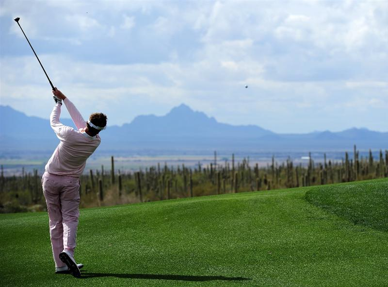 MARANA, AZ - FEBRUARY 21:  Ian Poulter of England plays his approach shot on the 11th hole during the final round of the Accenture Match Play Championship at the Ritz-Carlton Golf Club at  on February 21, 2010 in Marana, Arizona.  (Photo by Stuart Franklin/Getty Images)