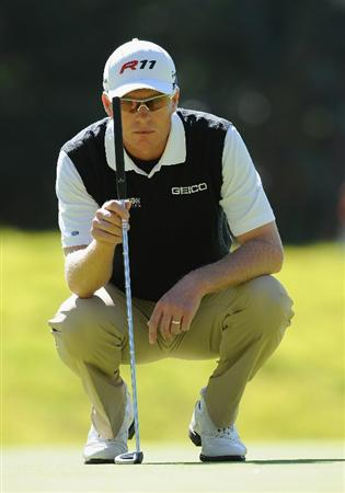 PACIFIC PALISADES, CA - FEBRUARY 17:  John Senden of Australia lines up his putt on the nineth hole during the first round of the Northern Trust Open at Riviera Country Club on February 17, 2011 in Pacific Palisades, California.  (Photo by Stuart Franklin/Getty Images)