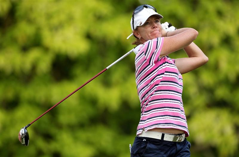 SINGAPORE - FEBRUARY 25:  Helen Alfredsson of Sweden hits her tee-shot on the sixth hole during the first round of the HSBC Women's Champions at the Tanah Merah Country Club on February 25, 2010 in Singapore.  (Photo by Andrew Redington/Getty Images)