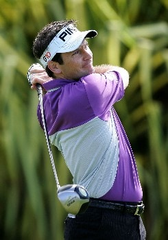 LAHAINA, HI - JANUARY 03:  Mark Wilson tees off on the 1st hole during the first round of the Mercedes-Benz Championship at the Plantation Course at Kapalua Resort on January 3, 2008 in Lahaina, Maui, Hawaii.  (Photo by Jonathan Ferrey/Getty Images)