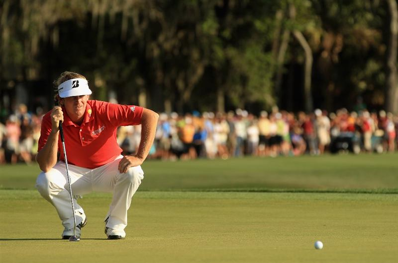 HILTON HEAD ISLAND, SC - APRIL 24:  Brandt Snedeker lines up a putt on the 18th hole during the final round of The Heritage at Harbour Town Golf Links on April 24, 2011 in Hilton Head Island, South Carolina.  (Photo by Streeter Lecka/Getty Images)