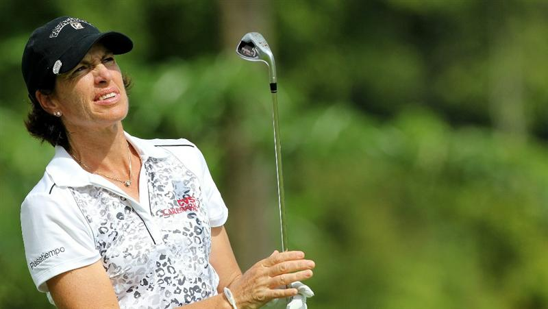 KUALA LUMPUR, MALAYSIA - OCTOBER 24:  Juli Inkster of USA watches her tee shot on the 1st hole during the Final Round of the Sime Darby LPGA on October 24, 2010 at the Kuala Lumpur Golf and Country Club in Kuala Lumpur, Malaysia. (Photo by Stanley Chou/Getty Images)