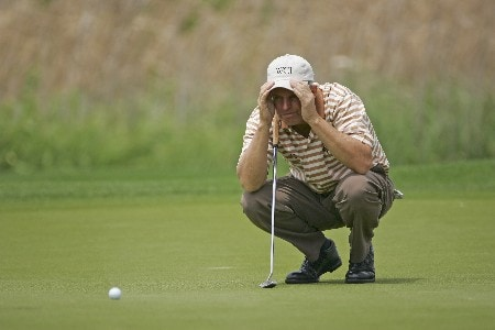 Wayne Levi lines up a putt during the second round of the 2005 Libery Mutual Legends of Golf.  Saturday 04/22/2005Photo by Chris Condon/PGA TOUR/WireImage.com