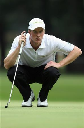 KAWAGOE CITY, JAPAN - OCTOBER 08:  Kieran Pratt of Australia watches lines up a putt on the 7th hole during the second round of the 2010 Asian Amateur Championship at Kasumigaseki Country Club on October 8, 2010 in Kawagoe City, Japan.  (Photo by Streeter Lecka/Getty Images)