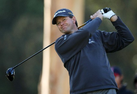PACIFIC PALISADES, CA - FEBRUARY 15:  Retief Goosen of South Africa hits his tee shot on the ninth hole during the second round of the Northern Trust Open on February 15, 2008 at Riviera Country Club in Pacific Palisades. California.  (Photo by Stephen Dunn/Getty Images)