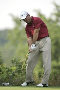 Peter Lonard during the first round of the Cialis Western Open on the No. 4 Dubsdread course at Cog Hill Golf and Country Club in Lemont, Illinois on July 6, 2006.Photo by Michael Cohen/WireImage.com