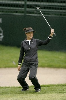 Grace Park acknowledges the crowd after sinking a putt during second-round action at the Sybase Classic at the Wykagyl Country Club in New Rochelle, NY, May 20, 2005.Photo by Patrick Tuohy/WireImage.com