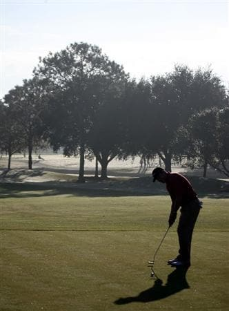 LAKE BUENA VISTA, FL - NOVEMBER 07:  Troy Matteson putts on the 11th hole during the secind round at the Childrens Miracle Network Classic at Disney Palm on November 7, 2008 in Lake Buena Vista, Florida. (Photo by Marc Serota/Getty Images)