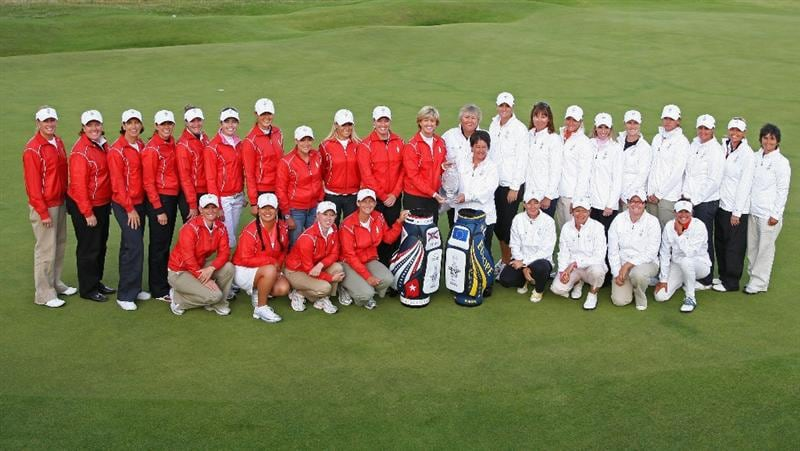 LYTHAM ST ANNES, ENGLAND - AUGUST 02:  Europe and USA Solheim Cup Team Captains Alison Nicholas and Beth Daniel pose with their team members following a Press Conference to announce the teams for the 2009 Solheim Cup following the final round of the 2009 Ricoh Women's British Open Championship held at Royal Lytham St Annes Golf Club, on August 2, 2009 in Lytham St Annes, England.  (Photo by David Cannon/Getty Images)