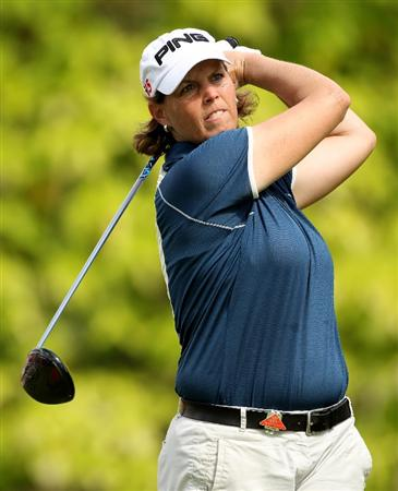 SINGAPORE - FEBRUARY 25:  Wendy Ward of the USA hits her tee-shot on the sixth hole during the first round of the HSBC Women's Champions at the Tanah Merah Country Club on February 25, 2010 in Singapore.  (Photo by Andrew Redington/Getty Images)