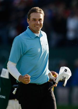 LA JOLLA, CA - FEBRUARY 08:  Nick Watney celebrates after winning the Buick Invitational at the Torrey Pines Golf Course on February 8, 2009 in La Jolla, California.  (Photo by Jeff Gross/Getty Images)