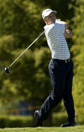 CHARLESTON, SC - OCTOBER 22: Derek Lamely watches his drive on the fifth hole during the first round of the Nationwide Tour Championship at Daniel Island on October 22, 2009 in Charleston, South Carolina. (Photo by Chris Keane/Getty Images)