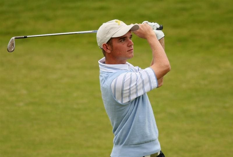 ST. ANDREWS, UNITED KINGDOM - AUGUST 30: Dale Whitnell of Great Britain & Ireland plays his second shot into the third green during the foursomes matches of The St Andrews Trophy 2008 between Great Britain & Ireland and the Continent of Europe, held at Kingsbarns Golf Club, on August 30, 2008. in Fife, Scotland.  (Photo by Warren Little/Getty Images)