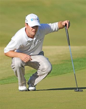 LAS VEGAS- OCTOBER 17: Zach Johnson lines up a par putt on the par three 15th hole during the second round of the Justin Timberlake Shriners Hospitals for Children Open held at the TPC Summerlin on Friday, October 17, 2008 in Las Vegas, Nevada(Photo by Marc Feldman\Getty Images)