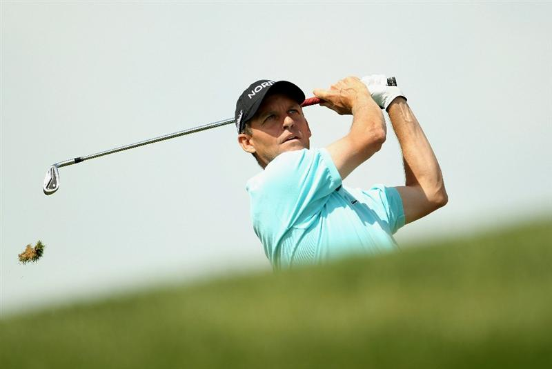 DUBAI, UNITED ARAB EMIRATES - FEBRUARY 13:  Anders Hansen of Denmark in action during the final round for the 2011 Omega Dubai desert Classic held on the Majilis Course at the Emirates Golf Club on February 13, 2011 in Dubai, United Arab Emirates.  (Photo by Ian Walton/Getty Images)