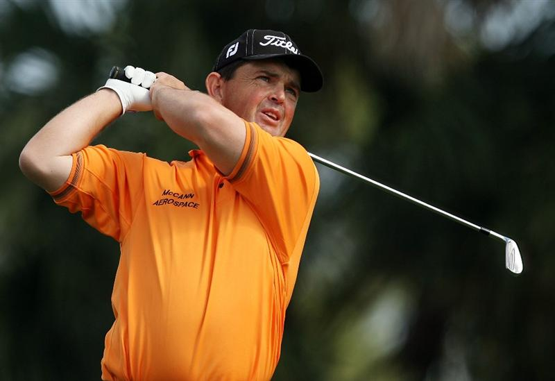 PALM BEACH GARDENS, FL - MARCH 07: Greg Chalmers hits hit tee shot on the seventh hole during the third round of The Honda Classic at PGA National Resort and Spa on March 7, 2009 in Palm Beach Gardens, Florida.  (Photo by Doug Benc/Getty Images)