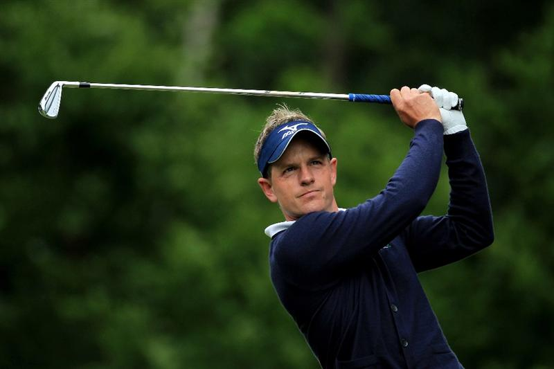 VIRGINIA WATER, ENGLAND - MAY 29:  Luke Donald of England tees off on the 5th hole during the final round of the BMW PGA Championship  at the Wentworth Club on May 29, 2011 in Virginia Water, England.  (Photo by David Cannon/Getty Images)