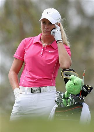 PHOENIX - MARCH 29:  Suzann Pettersen of Norway prepares to tee off on the second hole during the fourth round of the J Golf Phoenix LPGA International golf tournament at Papago Golf Course on March 29, 2009 in Phoenix, Arizona.  (Photo by Christian Petersen/Getty Images)