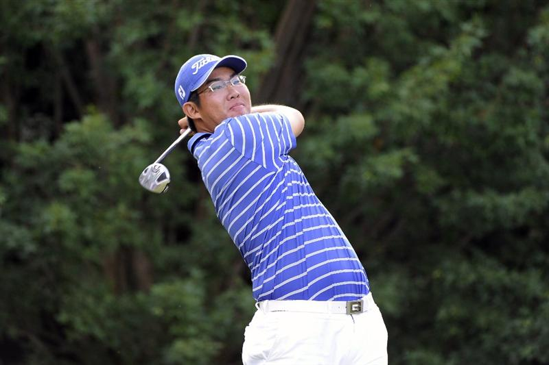 TULSA, OK - AUGUST 29:  Byeong-Hun An watches a tee shot during the Semifinals of the U.S. Amateur Golf Championship on August 29, 2009 at Southern Hills Country Club in Tulsa, Oklahoma.  (Photo by G. Newman Lowrance/Getty Images)