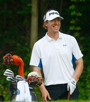CROMWELL, CT - JUNE 21: Hunter Mahan enjoys a laugh on the 15th tee box during the third round of the Travelers Championship at TPC River Highlands held on June 21, 2008 in Cromwell, Connecticut. (Photo by Jim Rogash/Getty Images)